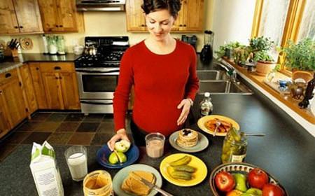8 thực phẩm giàu chất xơ cho bà bầu vào 3 tháng giữa thai kì