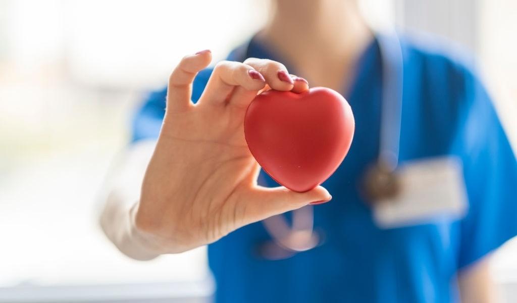 Tinh Chất Nghệ Nano Curcumin và tác dụng hỗ trợ điều trị bệnh tim mạch